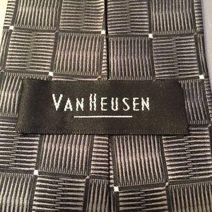 Van Heusen Stunning Silver,  Grey, and White Tie